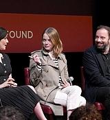 Emma-Stone-SAG-AFTRA_Foundation_Conversations__The_Favourite__28129.jpg