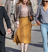 Emma_Stone_-_Arriving_at__Jimmy_Kimmel_Live__in_Los_Angeles2C_CA__10102019-04.jpg
