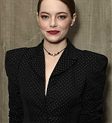 Emma_Stone_-_Fox_Searchlight_holiday_party_in_Los_Angeles_11172018-02.jpg