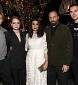 Emma_Stone_-_Fox_Searchlight_holiday_party_in_Los_Angeles_11172018-04.jpg