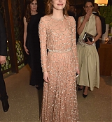 Emma_Stone_-_HBO_s_Official_2019_Golden_Globe_Awards_After_Party_in_Los_Angeles_28January_62C_201929_01.jpg