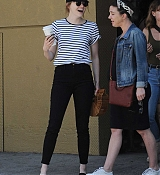 Emma_Stone_-_In_Los_Angeles_-_August_112C_2019-06.jpg