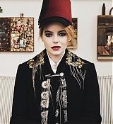 Emma_Stone_-_LOVE_Magazine_28201829.jpg