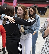 Emma_Stone_-_Spice_Girls_concert_at_Wembley_Stadium_in_London_28June_132C_201929-07.jpg