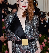 Emma_Stone_-_The_2019_Met_Gala_Celebrating_Camp_Notes_on_Fashion_-_May_6-24.jpg