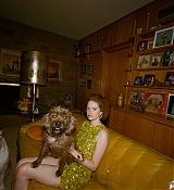 Emma_Stone_-_W_Magazine_28201929-07.jpg