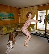 Emma_Stone_-_W_Magazine_28201929-09.jpg