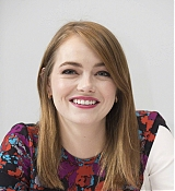 Emma_Stone_-__Maniac__Press_Conference_at_the_Andaz_Hotel_in_New_York_City_on_September_202C_2018-04.jpg