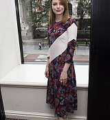 Emma_Stone_-__Maniac__Press_Conference_at_the_Andaz_Hotel_in_New_York_City_on_September_202C_2018-09.jpg