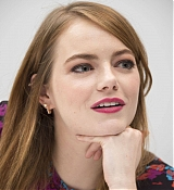 Emma_Stone_-__Maniac__Press_Conference_at_the_Andaz_Hotel_in_New_York_City_on_September_202C_2018-11.jpg