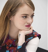 Emma_Stone_-__Maniac__Press_Conference_at_the_Andaz_Hotel_in_New_York_City_on_September_202C_2018-12.jpg