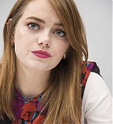 Emma_Stone_-__Maniac__Press_Conference_at_the_Andaz_Hotel_in_New_York_City_on_September_202C_2018-16.jpg