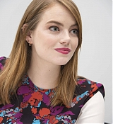 Emma_Stone_-__Maniac__Press_Conference_at_the_Andaz_Hotel_in_New_York_City_on_September_202C_2018-18.jpg