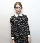 Emma_Stone_-__The_Favourite__Press_Conference_in_LA_111718-08.jpg