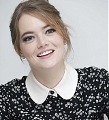 Emma_Stone_-__The_Favourite__Press_Conference_in_LA_111718-10.jpg