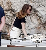 Emma_Stone_-_and_boyfriend_Dave_McCary_enjoy_their_romantic_holiday_in_Capri2C_Italy__09122019-03.jpg