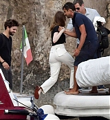 Emma_Stone_-_and_boyfriend_Dave_McCary_enjoy_their_romantic_holiday_in_Capri2C_Italy__09122019-04.jpg