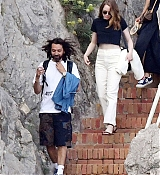 Emma_Stone_-_and_boyfriend_Dave_McCary_enjoy_their_romantic_holiday_in_Capri2C_Italy__09122019-08.jpg
