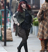 Emma_Stone_-_films_Disney_s_Cruella_movie_in_London_10152019-06.jpg