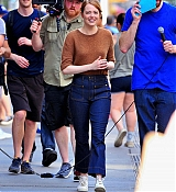 ll_smiles_as_she_films_a_comedy_skit_with_Billy_Eichner_of__Billy_on_the_Street__in_New_York_City__28_28329.jpg