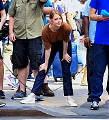 ll_smiles_as_she_films_a_comedy_skit_with_Billy_Eichner_of__Billy_on_the_Street__in_New_York_City__28_28429.jpg